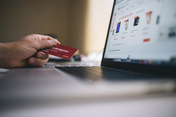 holiday online shopping Cyber Monday 2019